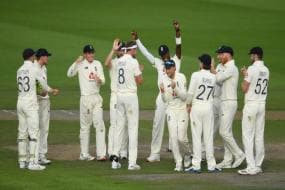 England vs Pakistan 2020 | Pakistan Second-Innings Collapse Keeps England in the Game