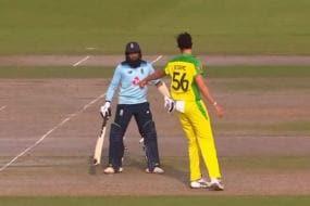England vs Australia: Mitchell Starc Misses Run Out, Gives Adil Rashid 'Mankad' Warning