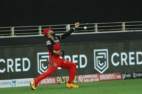 IPL 2020: Virat Kohli Drops Two Catches in a Match? Social Media Awash with Shock, Glee - and Memes