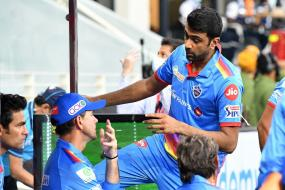R Ashwin Decides Against Mankading Aaron Finch, Posts Final Warning on Twitter