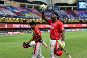 Chris Gayle Becomes First Batsman to Hit a Six in Super-over This Year