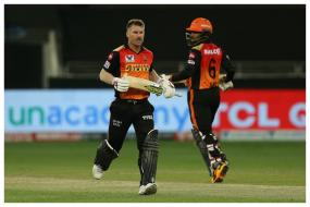 IPL 2020: David Warner, Wriddhiman Saha Set IPL 2020 Power-Play Record