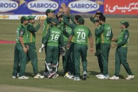 'Mingling in Hallways, Not Wearing Masks' - NZ Health Director Slams Pakistan Players for COVID Breach