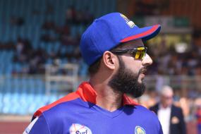 PSL 2020: Karachi Kings' Skipper Imad Wasim Pays Tribute to Late Coach Dean Jones