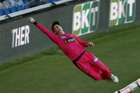 BBL 10: WATCH - Jordan Silk's Ridiculously Athletic Fielding Saves a Certain Six
