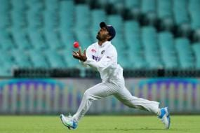 Wriddhiman Saha Clears the Air Again, Says There is No Rivalry or Competition With Rishabh Pant