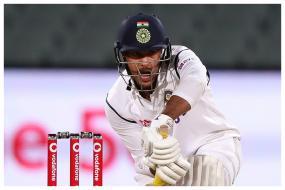 India vs Australia: Sunil Gavaskar Points Out Glitch in Mayank Agarwal's Technique