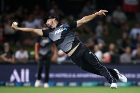New Zealand vs Pakistan: WATCH As Daryl Mitchell Takes a Blinder To Dismiss Haider Ali