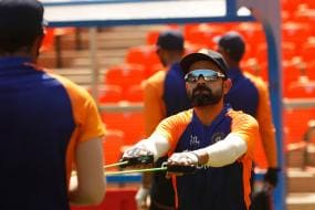 Team India Get Used to Swinging Pink Ball in Grueling Net Session in Motera