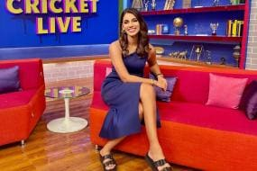 IPL 2021: This is How Twitter Reacted When Sanjana Ganesan Wore a Blue Dress on Her Return