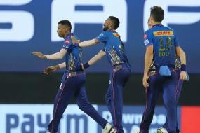 IPL 2021: WATCH-Hardik Pandya Hits Bull's Eye, Not Once But Twice