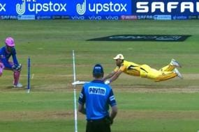 IPL 2021: MS Dhoni's Desperate Dive Rekindles Painful Memories of 2019 World Cup Semifinal for the Fans