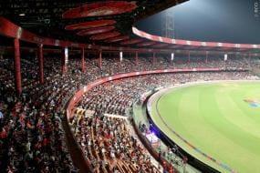 IPL 2021: Karnataka MLC Demands Suspension of IPL; Asks Chinnaswamy Stadium to Turn into Covid Hospital