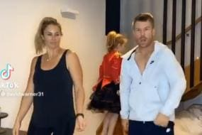 'That Time of the Night': David Warner Enjoys Some Alone Time With Wife Candice Warner