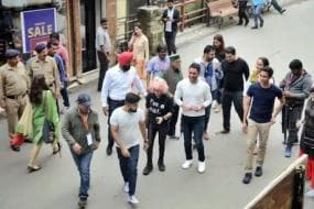 Watch: MS Dhoni is Holidaying With Family Members In Shimla