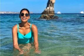Sanjana Ganesan is in Love With Beaches And These Pictures Are Proof