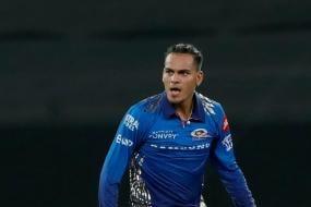 IPL 2021: Rahul Chahar Gets Hit for Six, Removes KS Bharat, Gives an Epic Sendoff