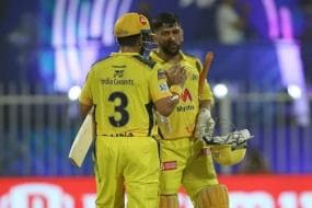 IPL 2021: MS Dhoni Hails His Bowlers for Applying Brakes on Free-flowing RCB