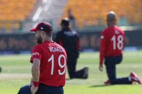 T20 World Cup: England Players Take The Knee After ICC Denies Permission to Wear T-shirts With Message of Unity