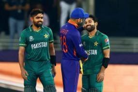 IND vs PAK, T20 World Cup 2021: Kohli Hugs Rizwan After Pakistan's Triumph & Fans Are Loving It - WATCH