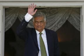 Blow to Sirisena as Lankan Parliament Demands Ousted PM Wickremesinghe to be Reinstated