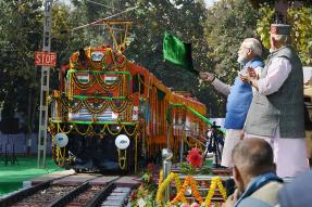 PM Narendra Modi Pushes Green Mobility in India: Electric Train, Buses and EV Policy for Cars