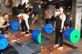'Superman': Tiger Shroff Deadlifts 200KG With an Ease, Impresses Ishaan Khatter and Fans