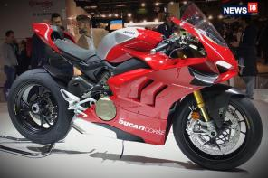 EICMA 2018: First Look Review of 2019 Ducati Panigale V4R