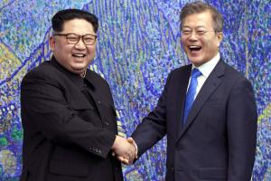 Korea Summit: Kim Jong Crosses Border to meet Moon Jae-in