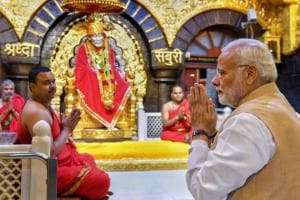 PM Narendra Modi Offers Prayers at Shirdi Sai Baba Temple
