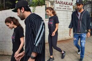 Celebs Spotted: Injured Alia Visits a Doctor with BF Ranbir Kapoor