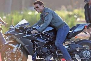 PICS: Hollywood Actor Tom Cruise Riding Kawasaki Ninja H2
