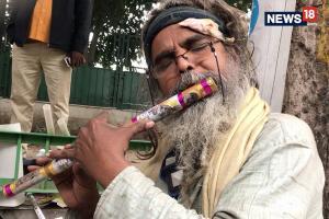 Meet Guitar Baba Who Takes Re. 1 Roadside Music Classes
