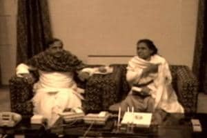 Revisiting the Good Old Times of Mayawati & Mulayam With These Rare Photos
