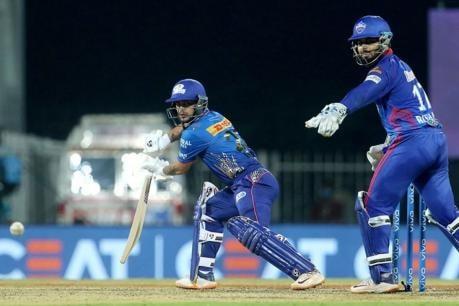 IPL 2021: Aakash Chopra Wants Ishan Kishan to Bat at No. 4 for Mumbai Indians Instead of Krunal Pandya