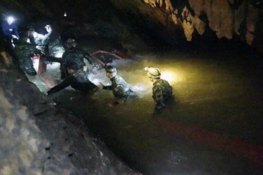 Thai officials aim to rescue kids from cave before rain hits
