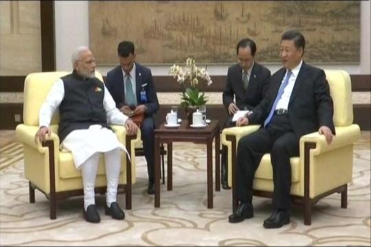 Narendra Modi in China LIVE: Xi Charms Modi With Music of Hubei Before Formal Talks