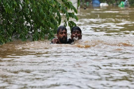 Kerala Floods LIVE Updates: 324 Killed, 2 Lakh in Relief Camps, 2 Crore Affected, Says CM Vijayan