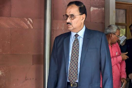 SC Asks Exiled CBI Chief Alok Verma to File Response 'ASAP', Refuses to Adjourn Tomorrow's Hearing
