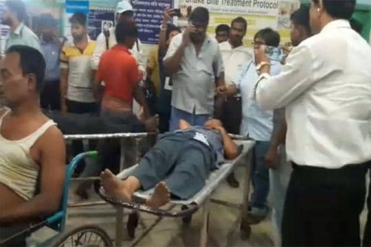 At Least 2 Killed, 14 Injured in Stampede at Foot Overbridge of Railway Station in Howrah