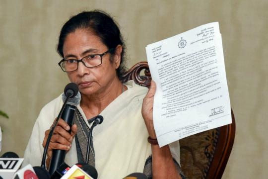 Bengal Crisis Deepens as Protesting Doctors Reject Mamata Banerjee's Offer for Talks