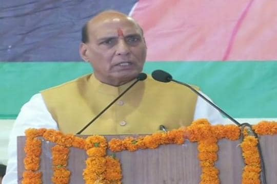 Rajnath Singh Trains Guns on Pakistan Amid Kashmir Row, Says Talks With Neighbour to Now Focus on PoK