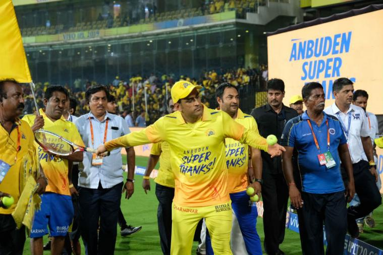 IPL 2019 | CSK Thank Home Fans with Victory Lap after DC Win