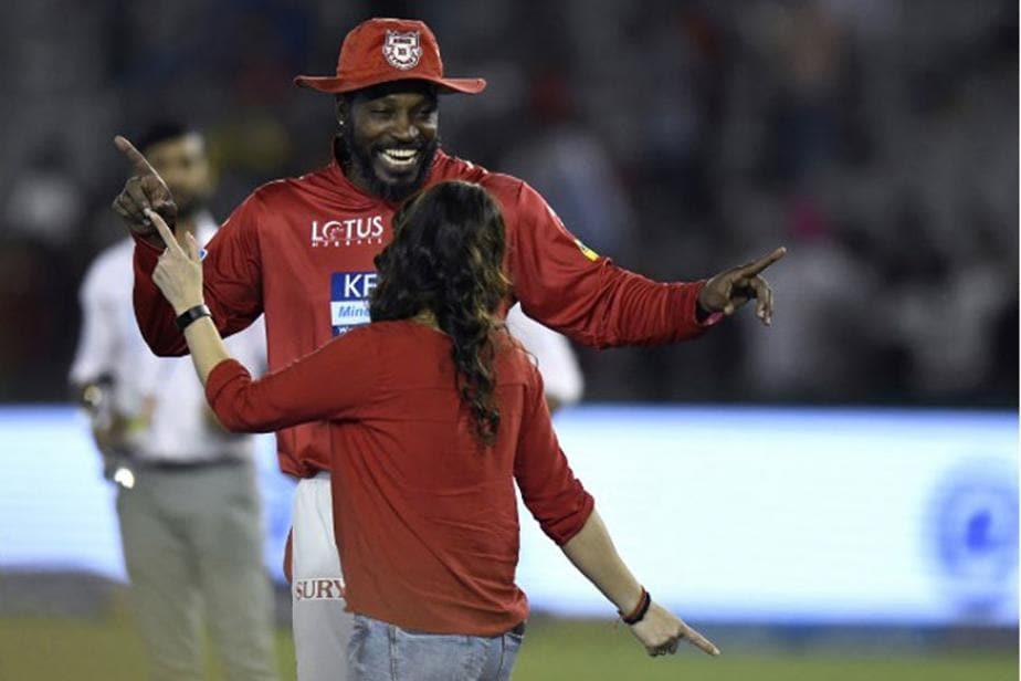 IPL 2018: Chris Gayle Fine Tunes Dancing Skills Ahead of Delhi Daredevils Encounter