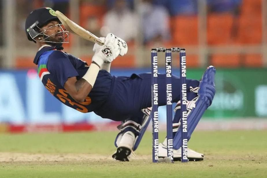India vs England: WATCH - Hardik Pandya Charges Towards Sam Curran After Being Sledged