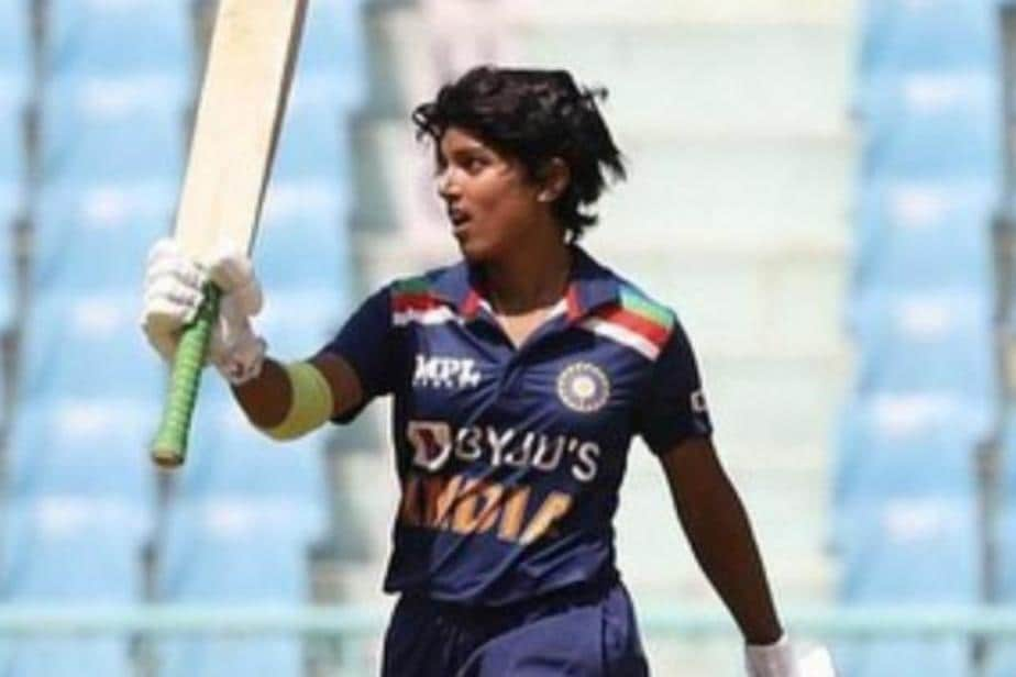 Punam Raut Moves into Top 20 in ODI rankings, Lizelle Lee Moves to No.1