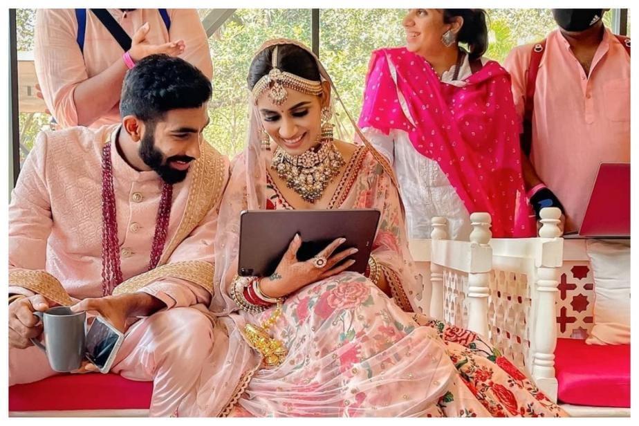Jasprit Bumrah, Sanjana Ganesan Engage in Adorable Comments Exchange on Instagram