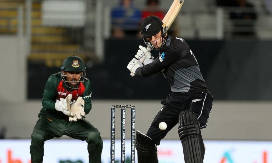 IPL 2021: NZ's Finn Allen Hits Quickfire Fifty, RCB Fans Want Him to Open With Virat Kohli