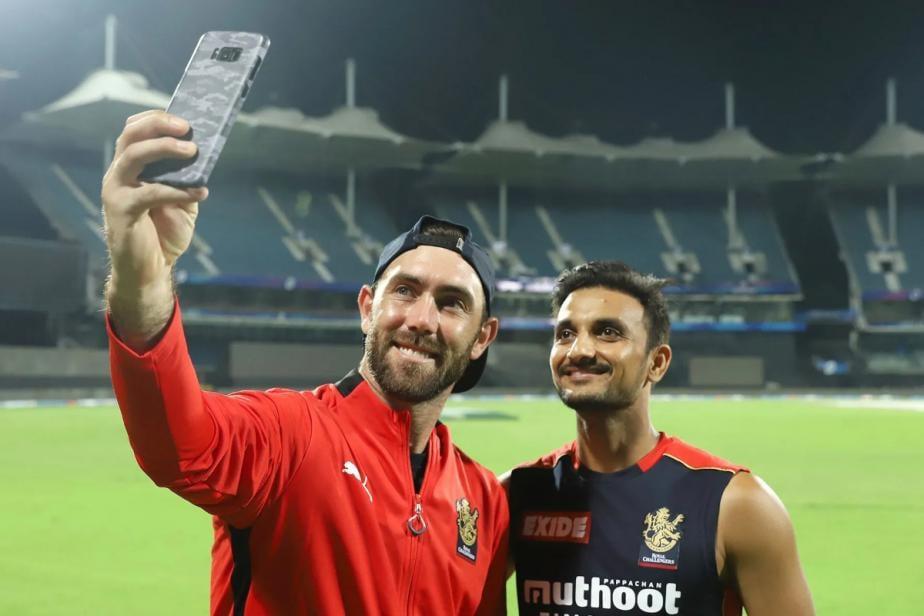 IPL 2021: Virender Sehwag, Ravi Shastri React as AB de Villiers, Glenn Maxwell Lift Royal Challengers to Third Straight Win