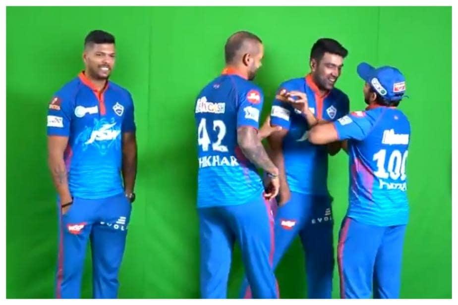 IPL 2021: Watch Shikhar Dhawan Trying to Coax R Ashwin Into Doing 'Vaathi Coming' Dance Step